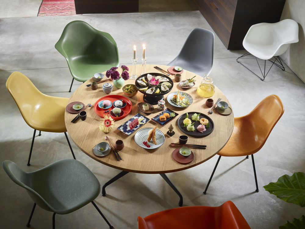 2936527_Eames Fiberglass Side Chair Eames Plastic Side Chair Eames Plastic Armchair and LAR Eames Segmented Tables Dining_preview